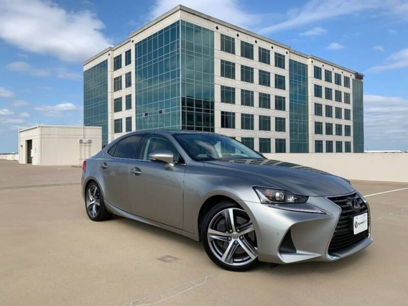 2017 Lexus IS 200t for sale at SIGNATURE Sales & Consignment in Austin TX