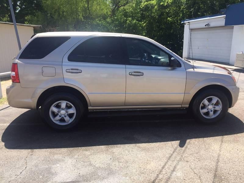 2007 Kia Sorento for sale at Oasis Cars LLC in Austin TX