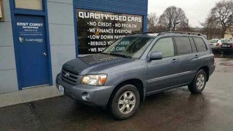 2004 Toyota Highlander for sale at Clar Hagen Auto Group in Rochester NY