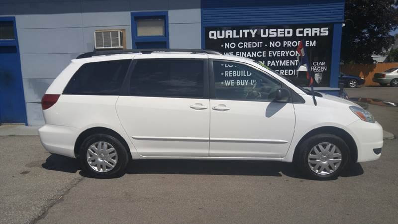 2005 Toyota Sienna for sale at Clar Hagen Auto Group in Rochester NY