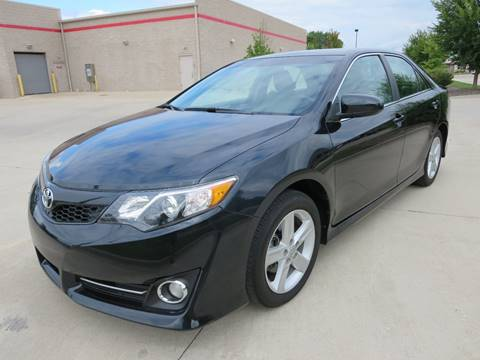 2014 Toyota Camry for sale in Woodstock, IL