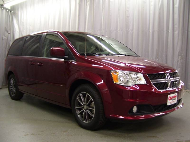 2017 Dodge Grand Caravan for sale at QUADEN MOTORS INC in Nashotah WI