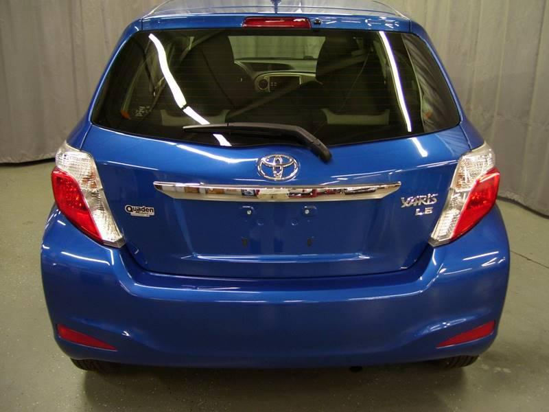 2013 toyota yaris hatchback tire size