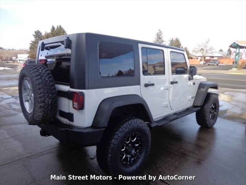 2009 Jeep Wrangler Unlimited Rubicon (image 4)