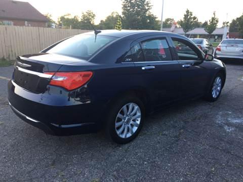 2014 Chrysler 200 for sale in Wayne, MI