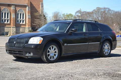 2005 Dodge Magnum for sale at CENTRAL AUTO SALES in Decatur GA