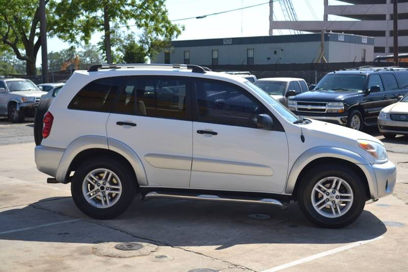 2004 Toyota RAV4 for sale at CENTRAL AUTO SALES in Decatur GA