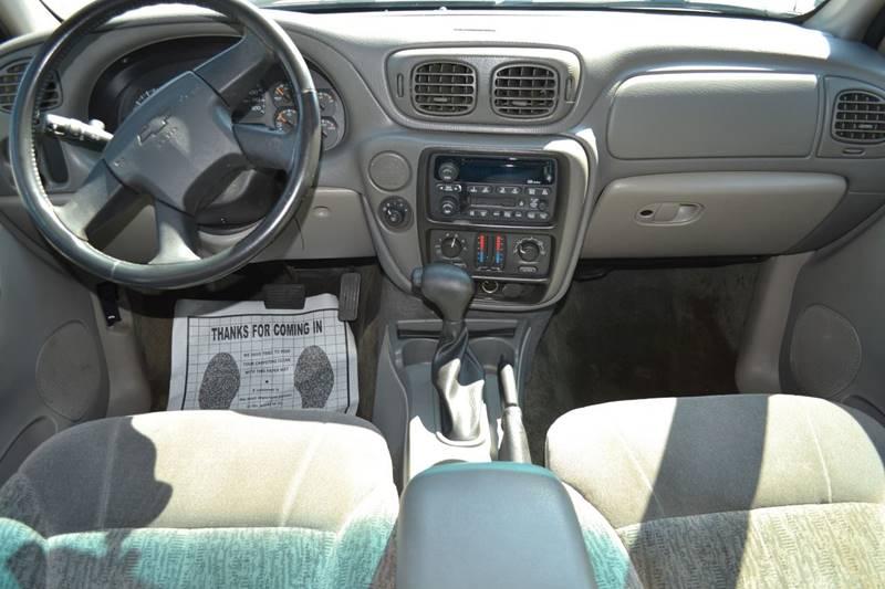 2002 Chevrolet TrailBlazer for sale at CENTRAL AUTO SALES in Decatur GA