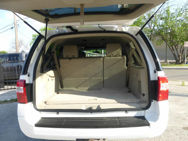 2010 Ford Expedition EL for sale at Manny G Motors in San Antonio TX