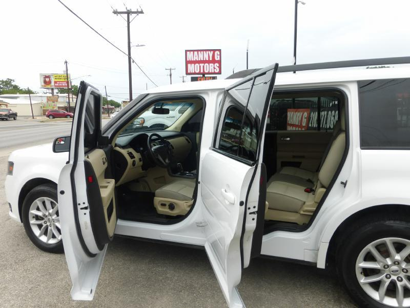 2014 Ford Flex for sale at Manny G Motors in San Antonio TX