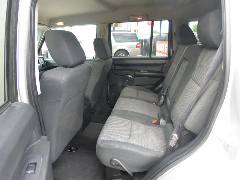 2008 Jeep Commander for sale at Manny G Motors in San Antonio TX