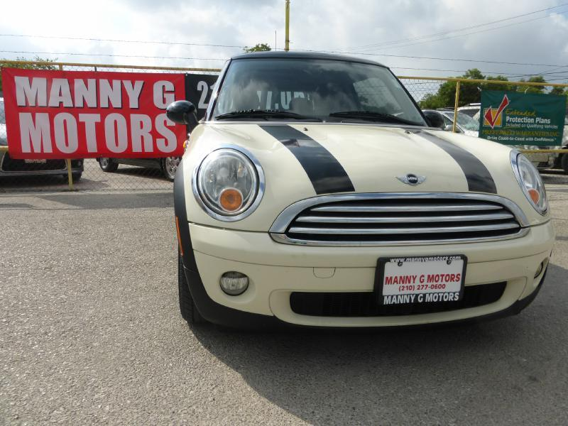 2010 MINI Cooper for sale at Manny G Motors in San Antonio TX