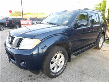 2008 Nissan Pathfinder for sale at Manny G Motors in San Antonio TX