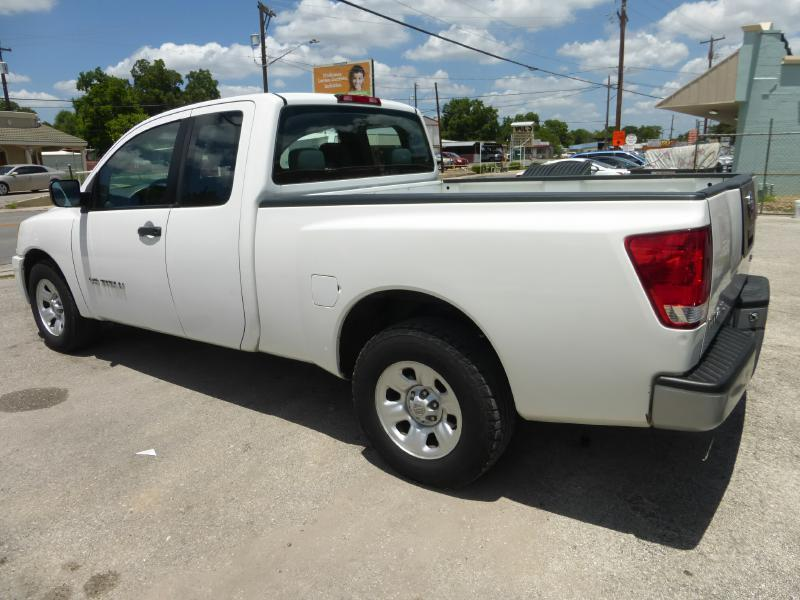 2006 Nissan Titan for sale at Manny G Motors in San Antonio TX