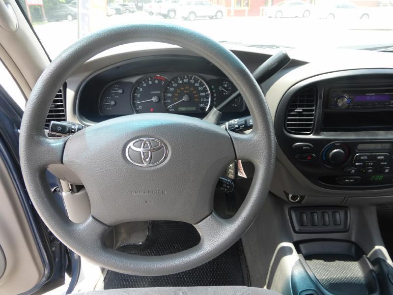 2007 Toyota Sequoia for sale at Manny G Motors in San Antonio TX