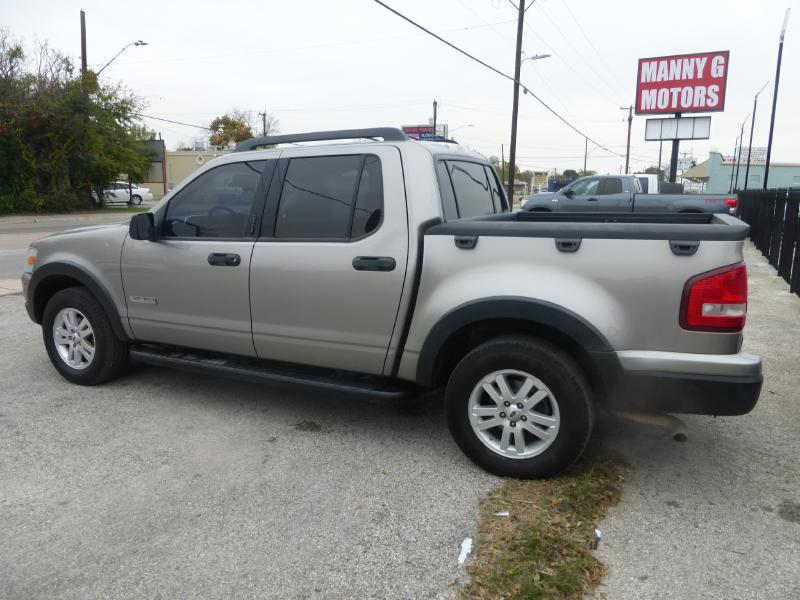 2008 Ford Explorer Sport Trac for sale at Manny G Motors in San Antonio TX