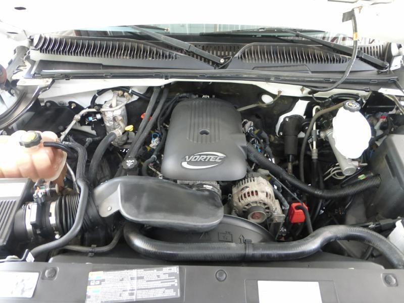 2004 Chevrolet Silverado 2500HD for sale at Manny G Motors in San Antonio TX