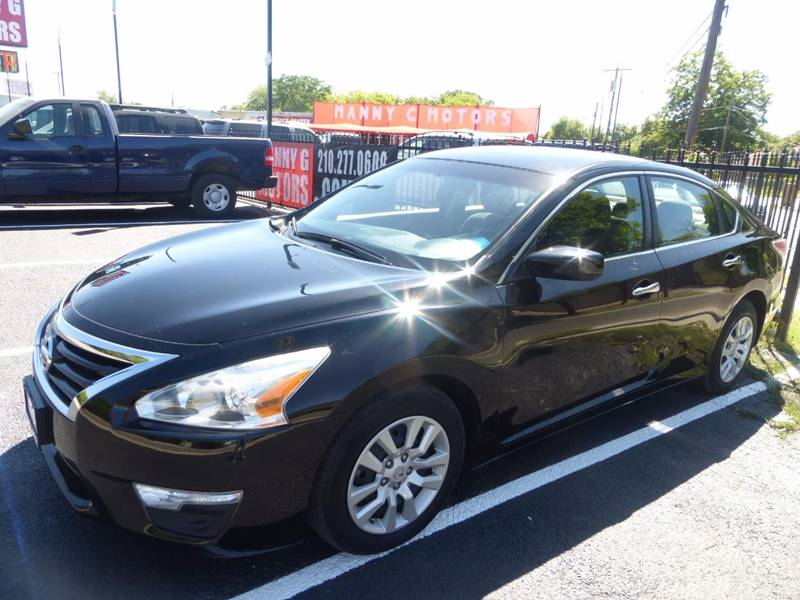 2015 Nissan Altima for sale at Manny G Motors in San Antonio TX