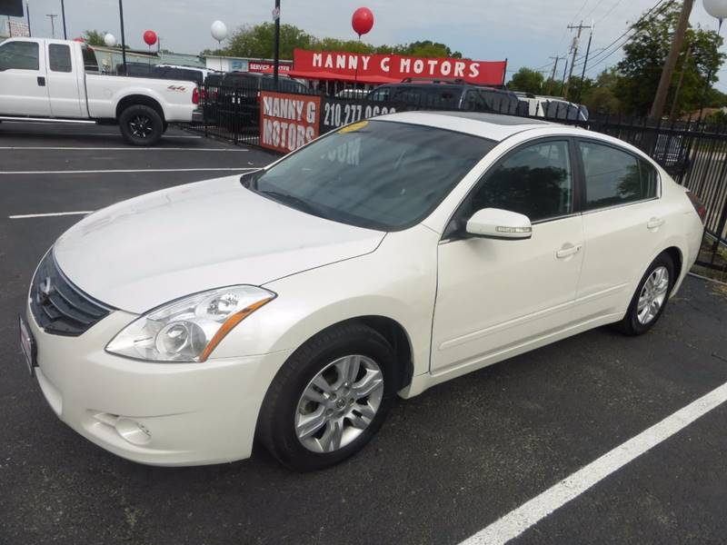 2011 Nissan Altima for sale at Manny G Motors in San Antonio TX