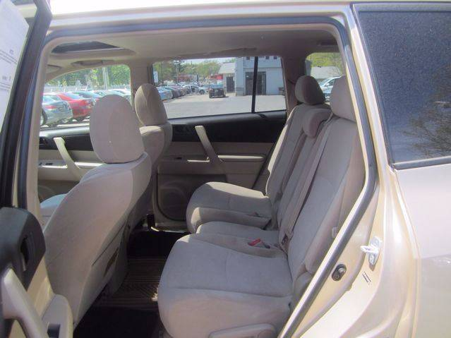 2008 Toyota Highlander for sale at Chris Auto Sales in Springfield MA