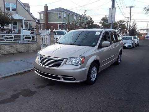 2013 Chrysler Town and Country for sale in Ozone Park, NY