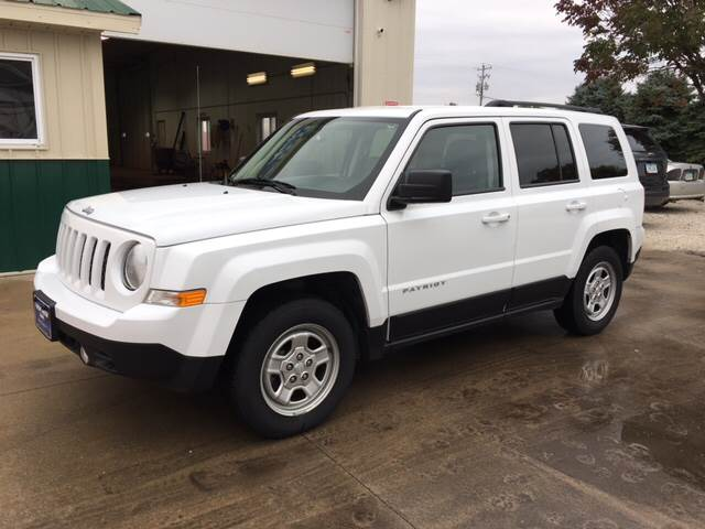 2016 Jeep Patriot for sale at New Way Auto in Jefferson IA