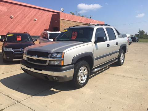 2004 Chevrolet Avalanche for sale at Cars To Go in Lafayette IN