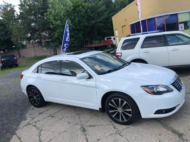 2013 Chrysler 200 for sale at Albi's Auto Service and Sales in Archbald PA