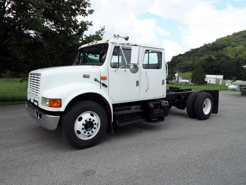 2002 International 4700 for sale in Harman, WV