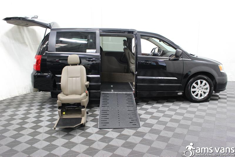 2016 Chrysler Town and Country for sale at AMS Vans, Inc. in Tucker GA