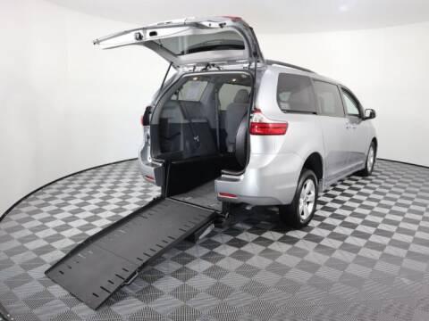 2018 Toyota Sienna for sale at AMS Vans in Tucker GA