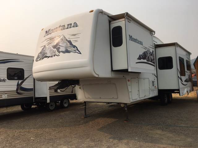 2006 Keystone Montanna 5th Wheel for sale at Siskiyou Auto Sales in Yreka CA