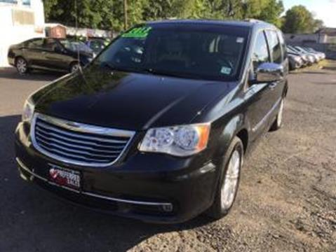 2013 Chrysler Town and Country for sale in Elizabeth, NJ