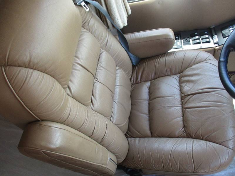 2001 Monaco Windsor for sale at Scottrock Motors in Fenton MO
