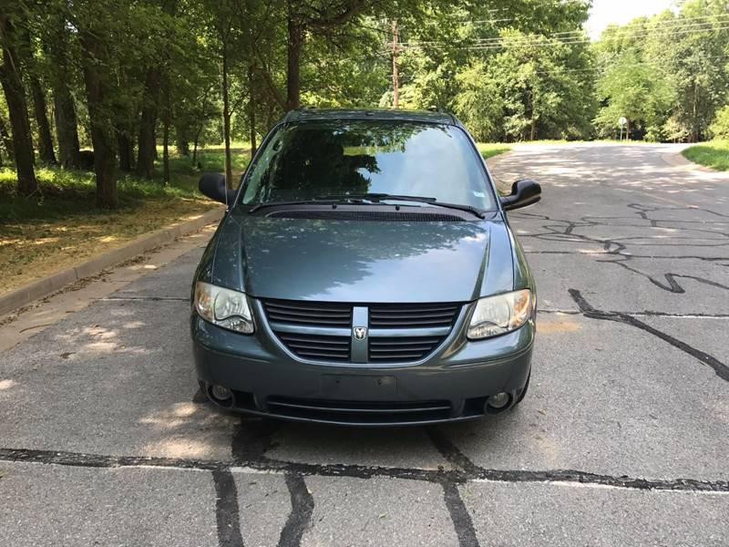 2006 Dodge Grand Caravan for sale at Scottrock Motors in Fenton MO