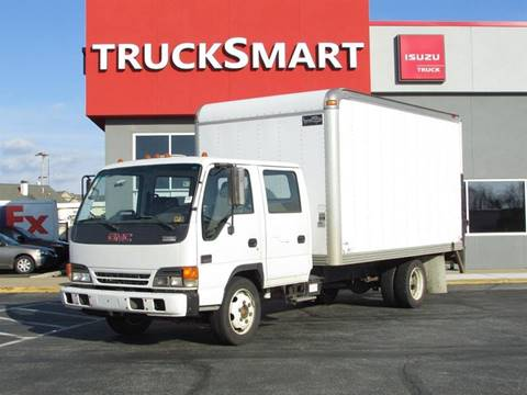 2004 GMC W5500 for sale in Morrisville, PA
