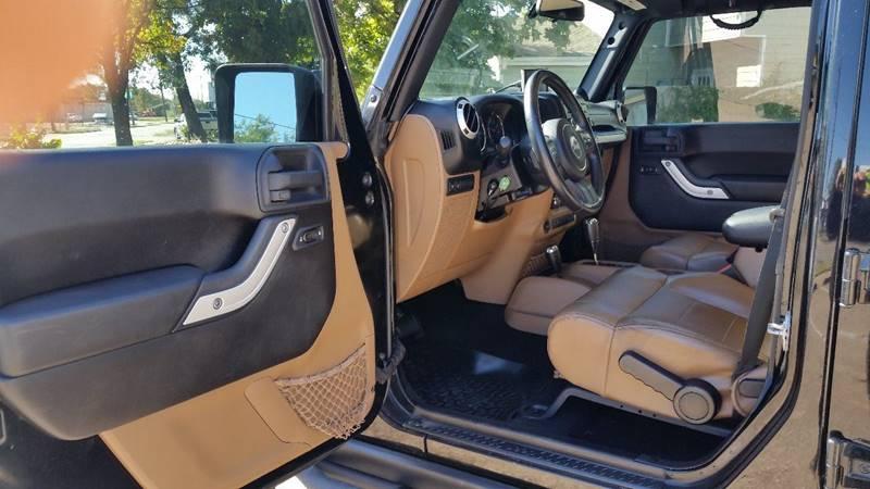 2011 Jeep Wrangler Unlimited Rubicon (image 43)