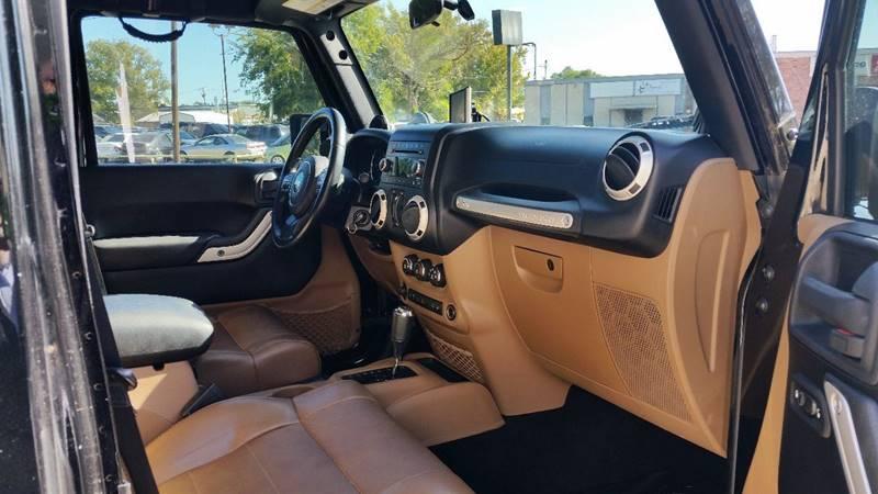 2011 Jeep Wrangler Unlimited Rubicon (image 48)