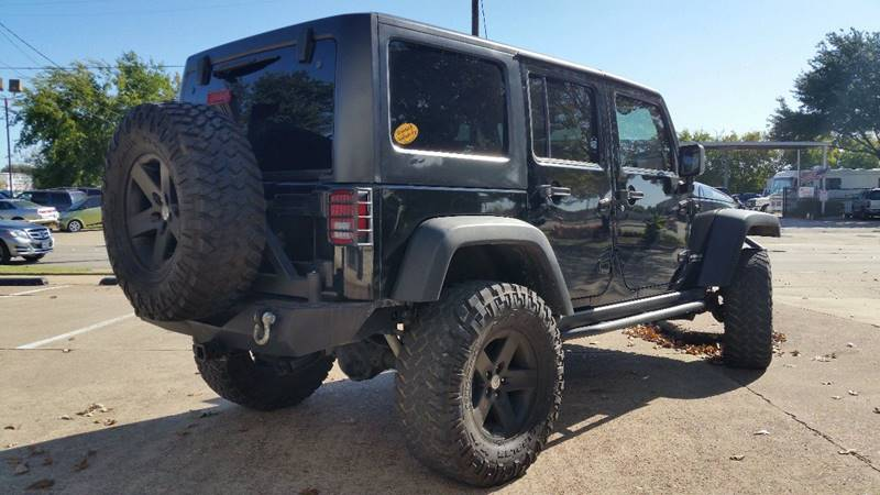 2011 Jeep Wrangler Unlimited Rubicon (image 25)