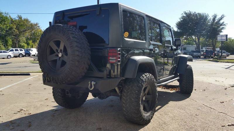 2011 Jeep Wrangler Unlimited Rubicon (image 26)
