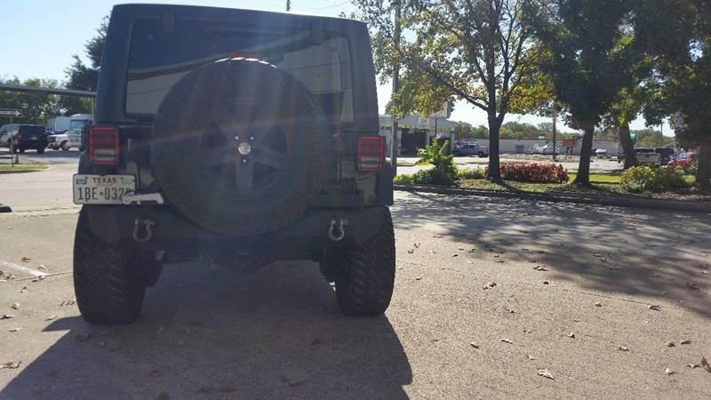 2011 Jeep Wrangler Unlimited Rubicon (image 29)