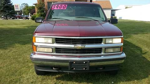 1998 Chevrolet Suburban for sale in Milwaukee, WI