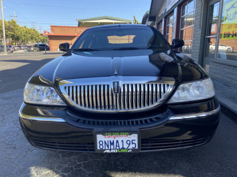 2005 Lincoln Town Car for sale at Autolink in San Leandro CA