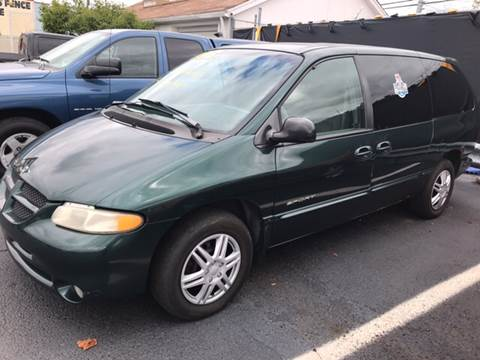 1999 Dodge Grand Caravan for sale in Redford, MI