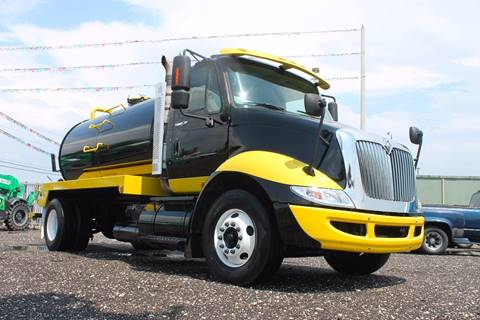 2009 International 8600 for sale in Miami, FL