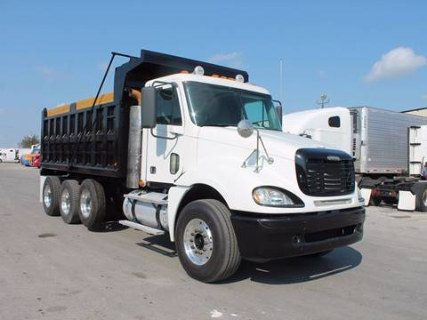 2017 Freightliner Columbia for sale in Miami, FL