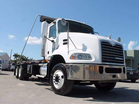 2009 Mack CXU600 Roll-Off Truck