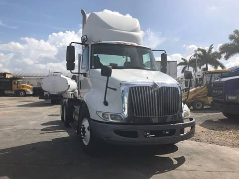 2010 International 8600 Tandem Axle Daycab for sale in Miami FL