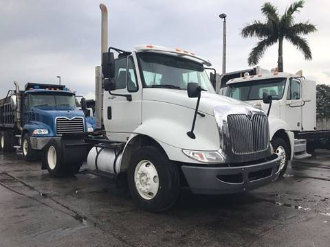 2009 International 8600 Single Axle Daycab for sale in Miami, FL