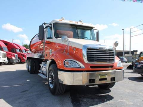 2007 Freightliner Columbia Septic Tank Truck for sale in Miami, FL